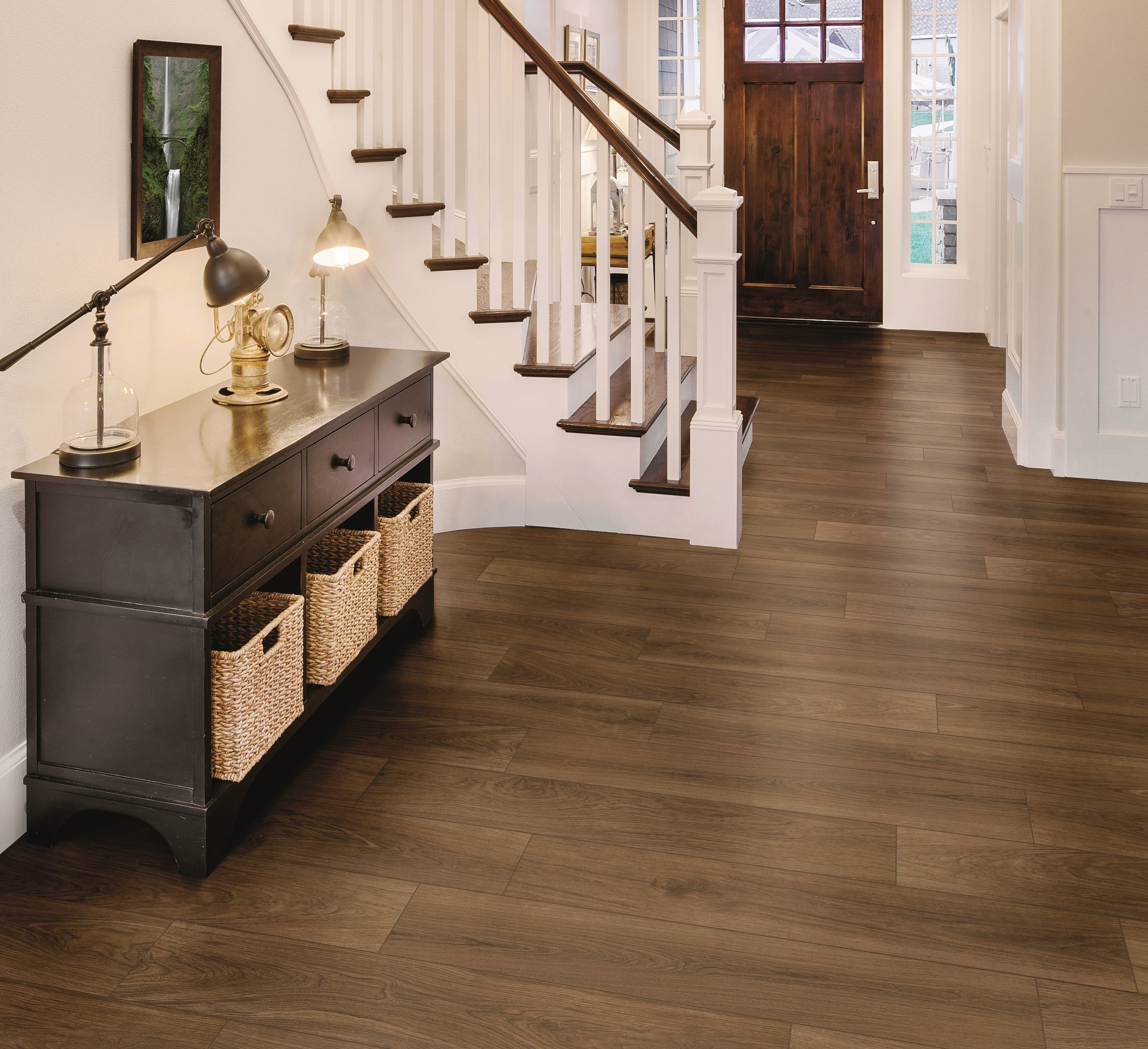 Why Are Homeowners Choosing Porcelain Wood Look Tile